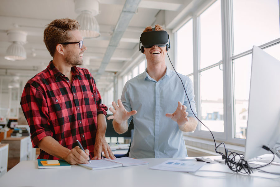Virtual reality learning using e-learning